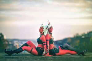 Kneesocks and Scanty - On the roof by makeetas