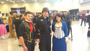 NF Comicon : Me with DeWitt and Elizabeth by TheWarRises