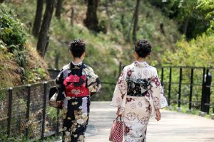 Ladies in Kimono by firenze-design