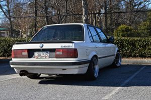 old BMW 325 i by Hcitron