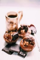 Muffins with chocolate and nuts by FiorOf