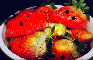 Strawberries by Nachmarcy