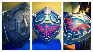 Papercraft Hylian Shield by n8s
