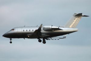 Challenger 604 side on by tdogg115