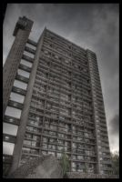 Trellick Tower 02 by aaron-thompson