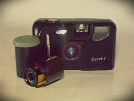 Old Photo Camera by mmariang