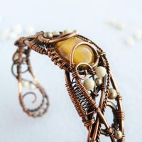 Honey bracelet by UrsulaOT