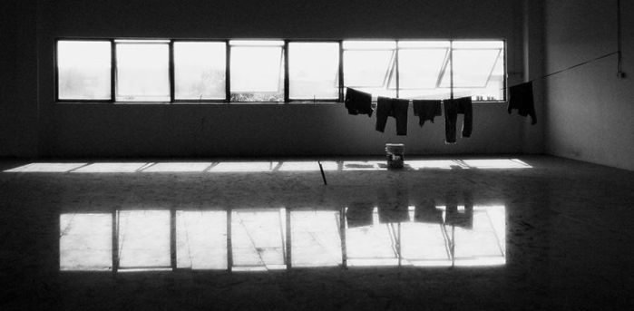 Waiting for the wet clothes.. by archlover