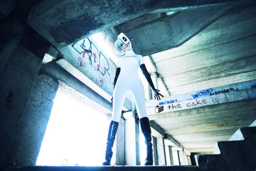 Cake is lie GLaDOS cosplay by Tenori-Tiger