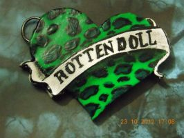 Doll heart- Rotten Doll by lizombie-scarecrow