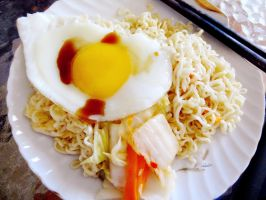 Ramen with Eggs and Vietnamese Kimchi by linzy-yld