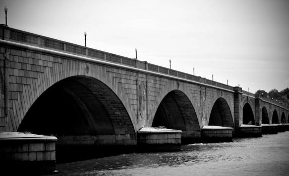 Black and White Bridge by moRITZy