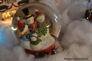 Snow Man Globe by micperson
