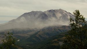 A Dusty Mount St. Helens by wusk