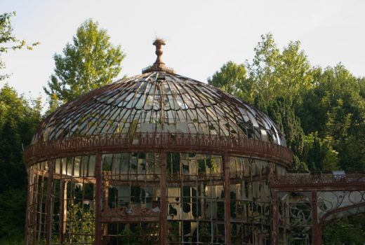 Conservatory Ruins by wafitz