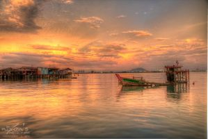 Sunset of Tan Jetty, Penang - Sunken boat by fighteden