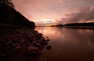 Pink-sky-river by joelht74