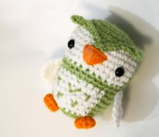 Green Owl 02 by tinyowlknits