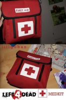 -L4D Cosplay Medkit- by Lillgoban