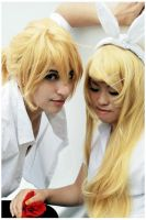Vocaloid - Len and Rin by xXMoonlilXx