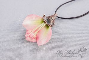 Pendant with flower petals by polyflowers
