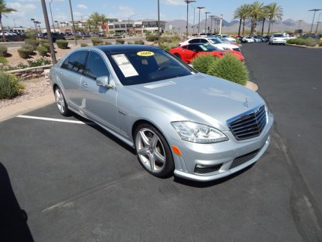 2010 Mercedes-Benz S63 AMG (W221) by TheHunteroftheUndead