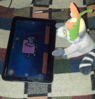 King Julien playing Nyan Cat by KingJulienFangal