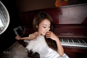 Piano Player by ParkLeggyKorean