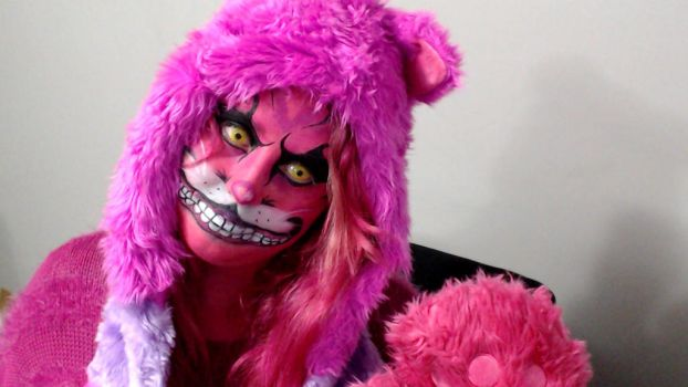 Cheshire cat cosplay by Blueberrystarbubbles