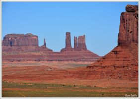 Monument Valley by KlaraDrielle