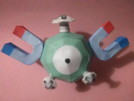 magnemite papercraft by jorgeescalante