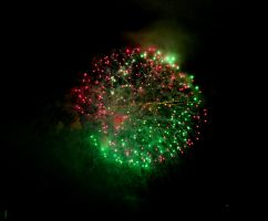 Green/Red Firework by Mr-Goldfish