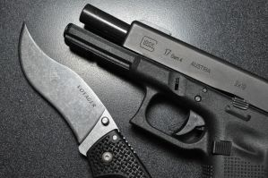 Glock 17 and Voyager by ComradeSniper