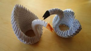 2 Origami 3D Swans by IDEAndo-art