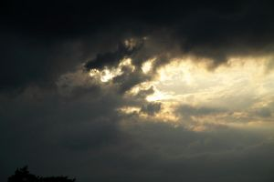 Sun in Clouds: 2010-05-01: 0668 by Netzlemming