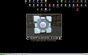 I heart my companion cube by gamergoth