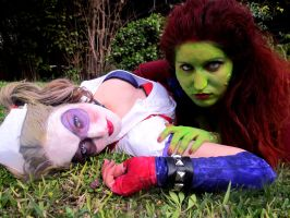 Harley and Ivy Arkham Asylum - Intimate by crazy5