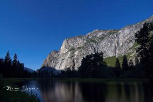 Yosemite Night Life by o0oLUXo0o