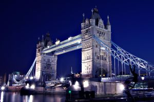 Tower Bridge by paweldomaradzki