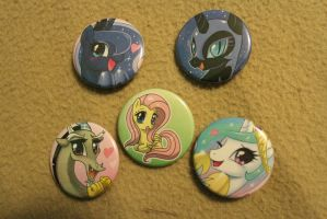JJ Buttons by eillahwolf