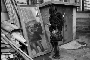 Old mirror in the trash by Artculpit