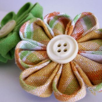 Plaid flowers barrette by MadelinesWardrobe