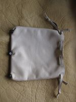 Leather pouch with wooden beads by Arnakhat