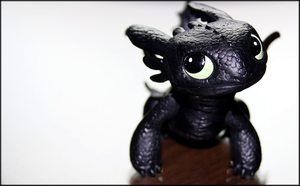 My new Toothless figure by Jontukka