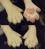 Airbrushed nubby paws by Monoyasha
