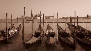 Gondolas by arrikitukis