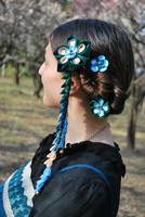 Peacock Tsumami kanzashi model by hanatsukuri