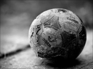 """The image """"http://tn3-1.deviantart.com/fs12/300W/f/2006/330/2/8/old_football____by_brikon.jpg"""" cannot be displayed, because it contains errors."""