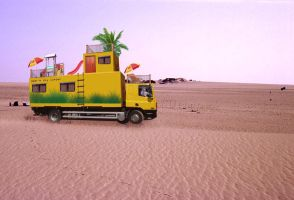 Big Camper in The Desert by melemel