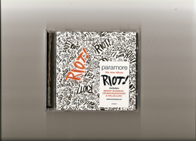 riot_paramore by Hicchan
